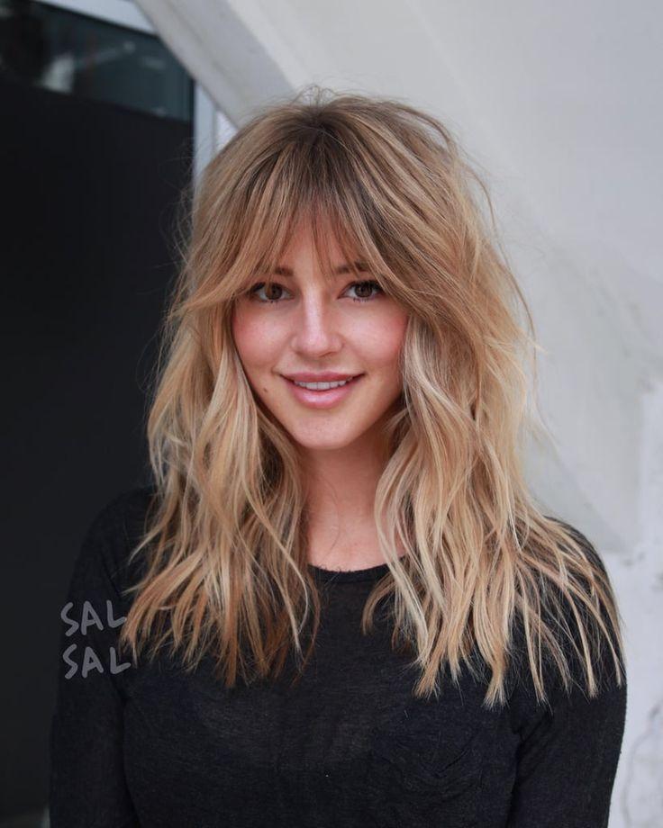 Babe Bangs / Cheveux Bardot |  Cheveux longs avec une frange, coupe de cheveux longue shag, longues coupes de cheveux en couches