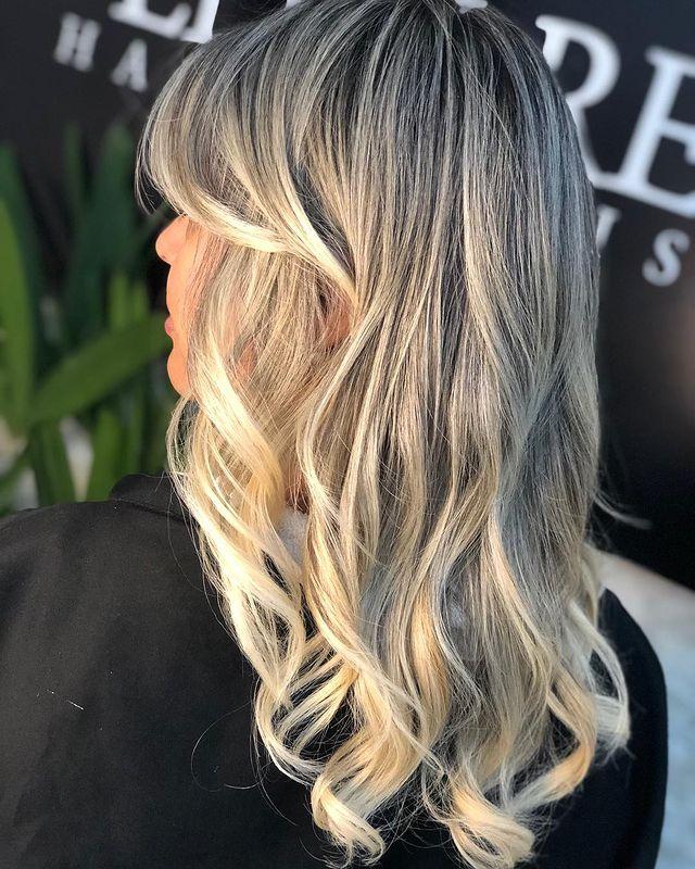 Voir ce post sur Instagram Un post partagé par E'llen Reis    Cheveux blonds (@ellenreishair)