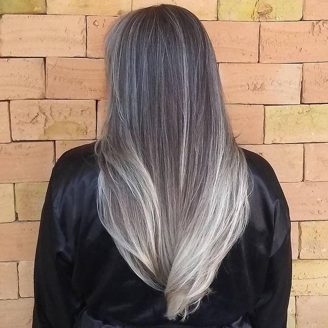 Voir cet article sur Instagram Un article partagé par Cleber Hair Stylist (@cleberhairstylist)